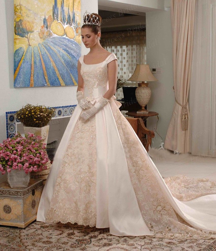 Most Beautiful Ball Gown Wedding Dresses: Expensive Ball Gown Wedding Dresses