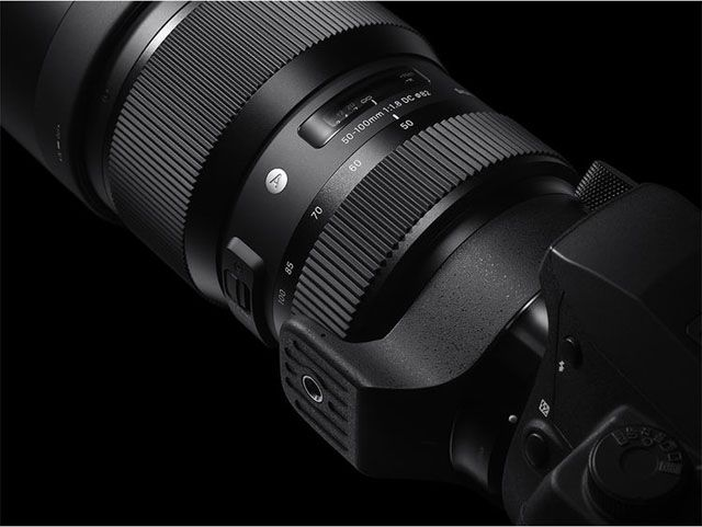 Sigma S 50 100mm F 1 8 Art Lens Is The First Telephoto Zoom With A