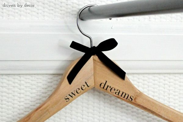 Diy Personalized Wood Hangers The Perfect Gift Driven By Decor