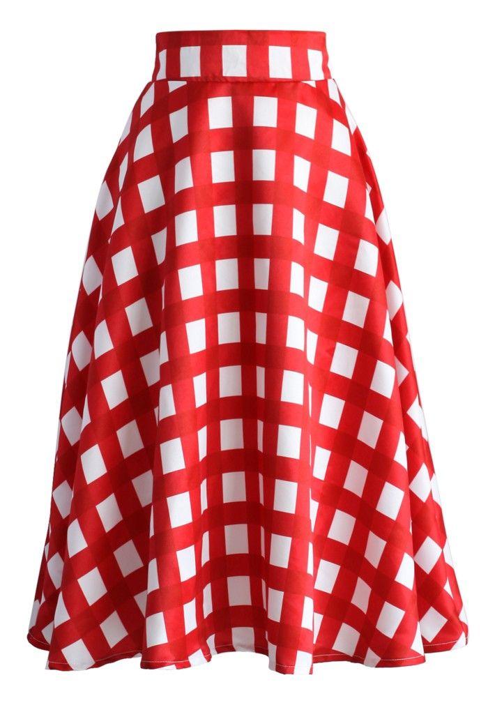 fc133de6816 Nuestra falda línea A cuadriculada en rojo y blanco está llena de ...