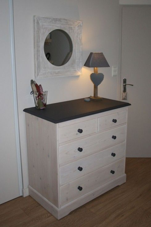chambre grise commode en pin blanchie