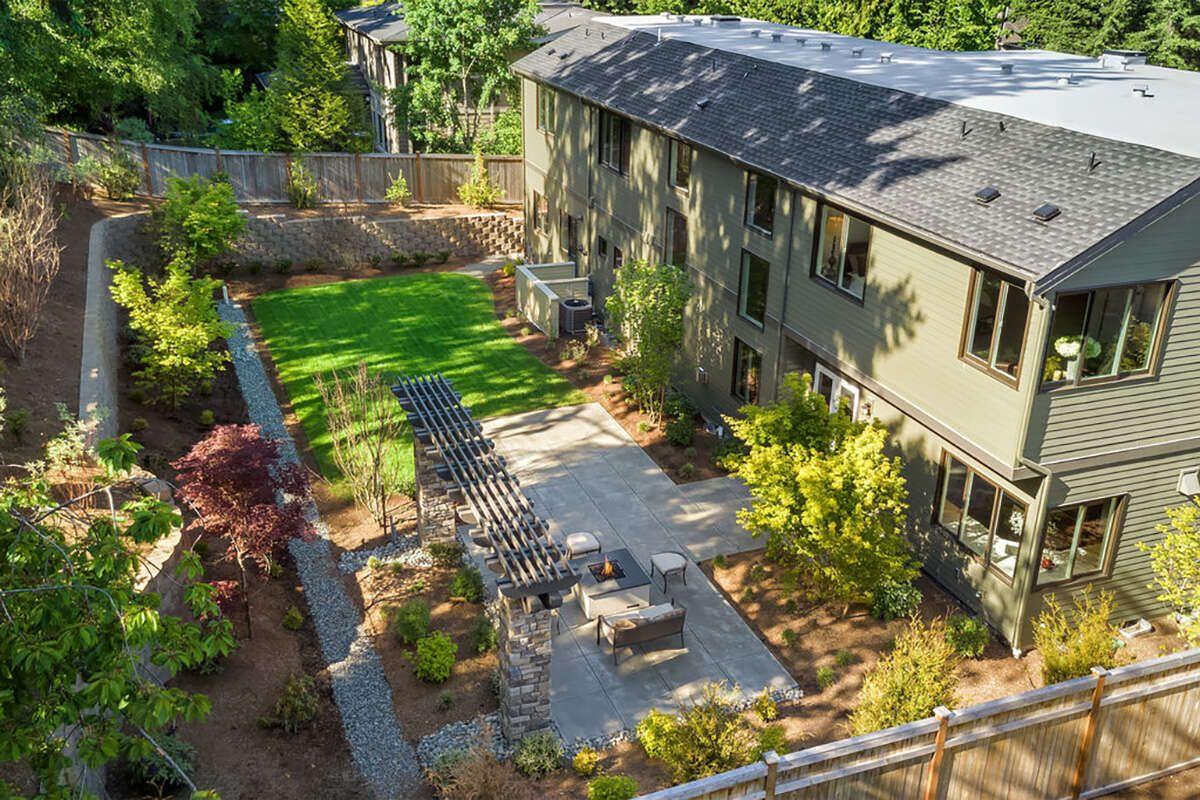 Mid Century Modern Plan: 4,976 Square Feet, 5 Bedrooms, 6 Bathrooms - 4771-00015