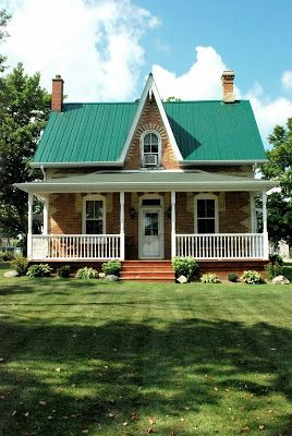 The Grower S Daughter A Trip To The Country Lakeview Farms Old Farm Houses Farmhouse Exterior Modern Farmhouse Plans