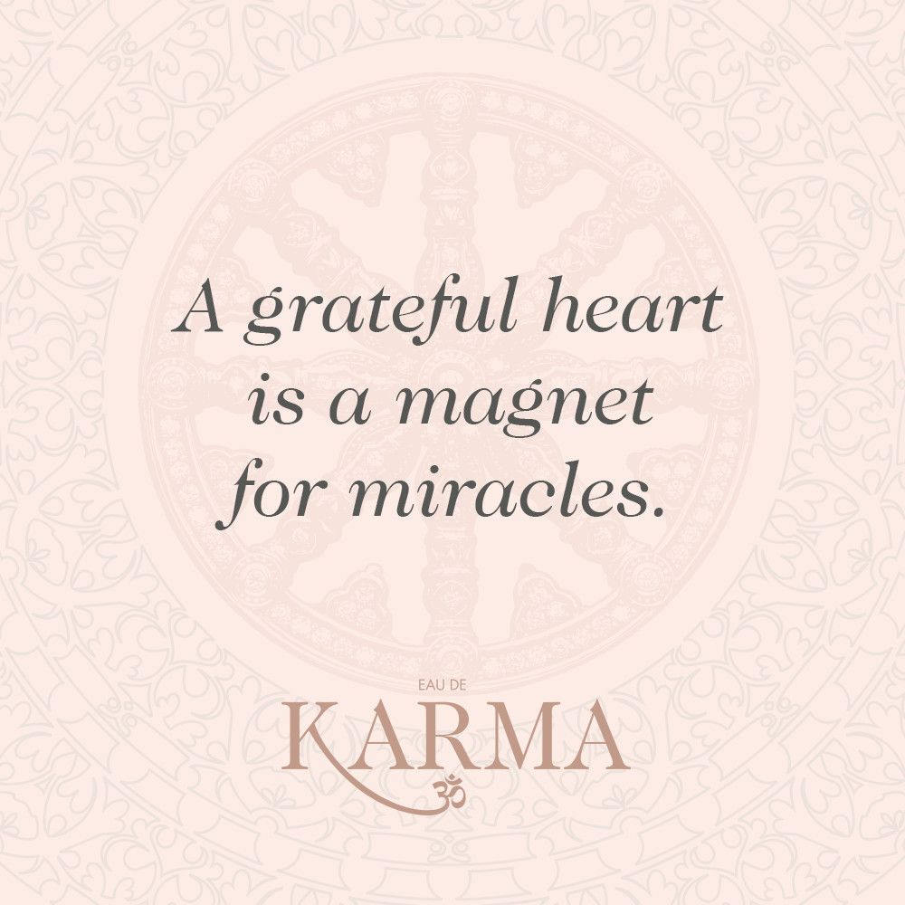 A grateful heart is a magnet for miracles.   Inspirational quotes // #writethisdown