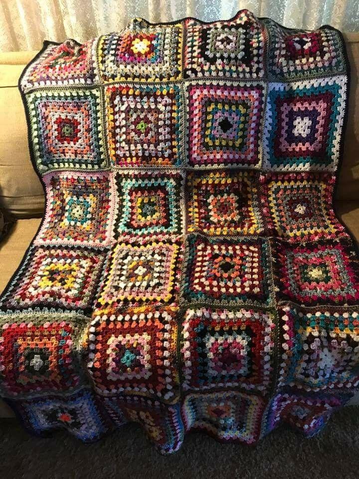 Crochet scrapghan granny square blanket. | häkeln | Pinterest | Häkeln
