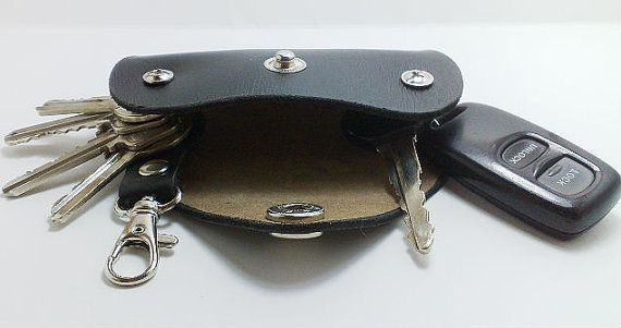 Convenient Keychain Key Holder From Black Cowhide Holds 4 6 Regular Keys And Car Key And Remote Control Car Initials Belt Hanger Key Holder Belt Hanger Leather Accessories Handmade