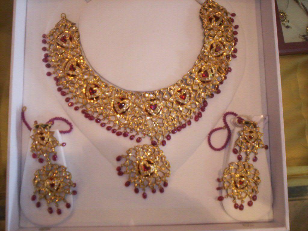 Pakistani Kundan Polki Jewellery Gold And Diamond Jewellery Set