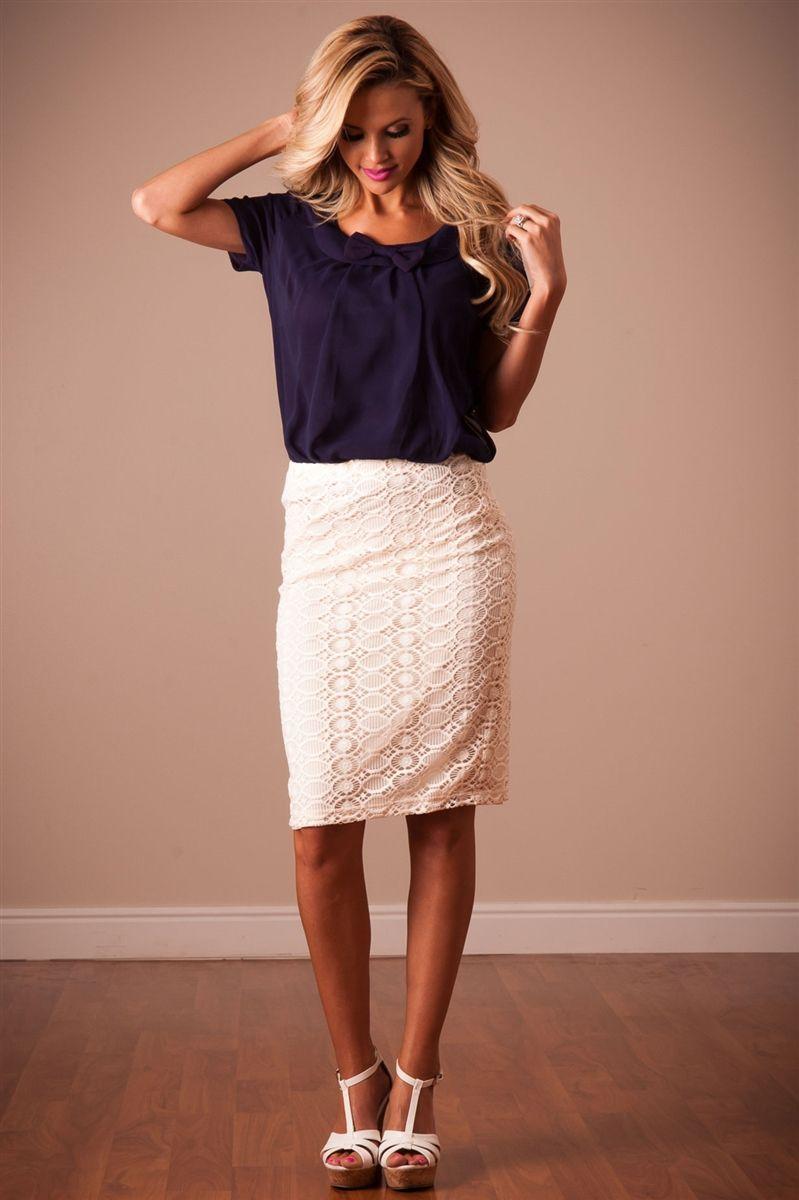 Pencil lace skirt cream photo