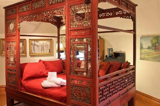 CHINESE WEDDING BEDS | Pictures of Mansion District Inn Bed & Breakfast, Smethport - Bed and ...