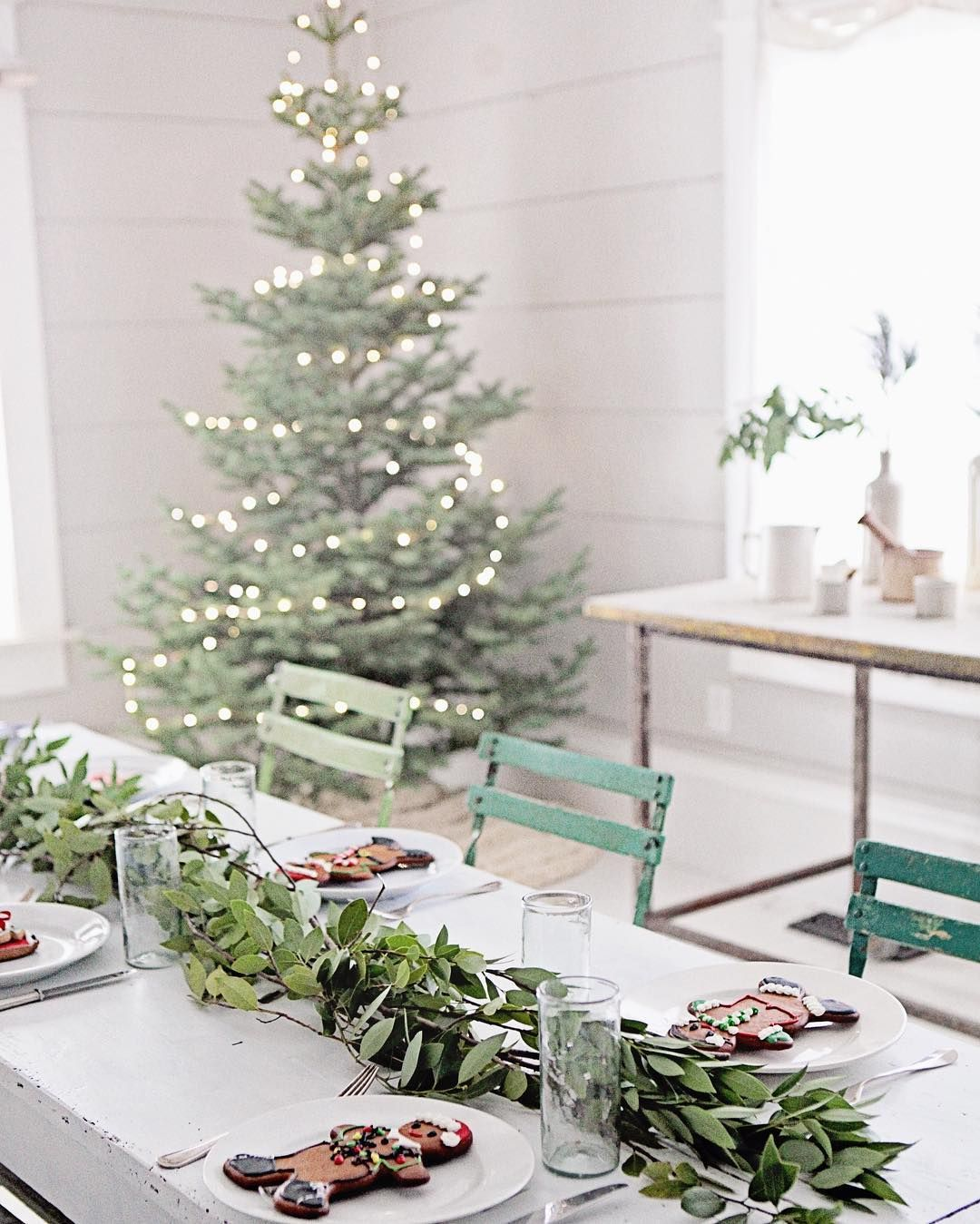 Dreamy Whites Lifestyle On Instagram Merry Christmas Eve Everything In Our Online Sh Christmas Decorations Vintage Christmas Decorations Beautiful Christmas