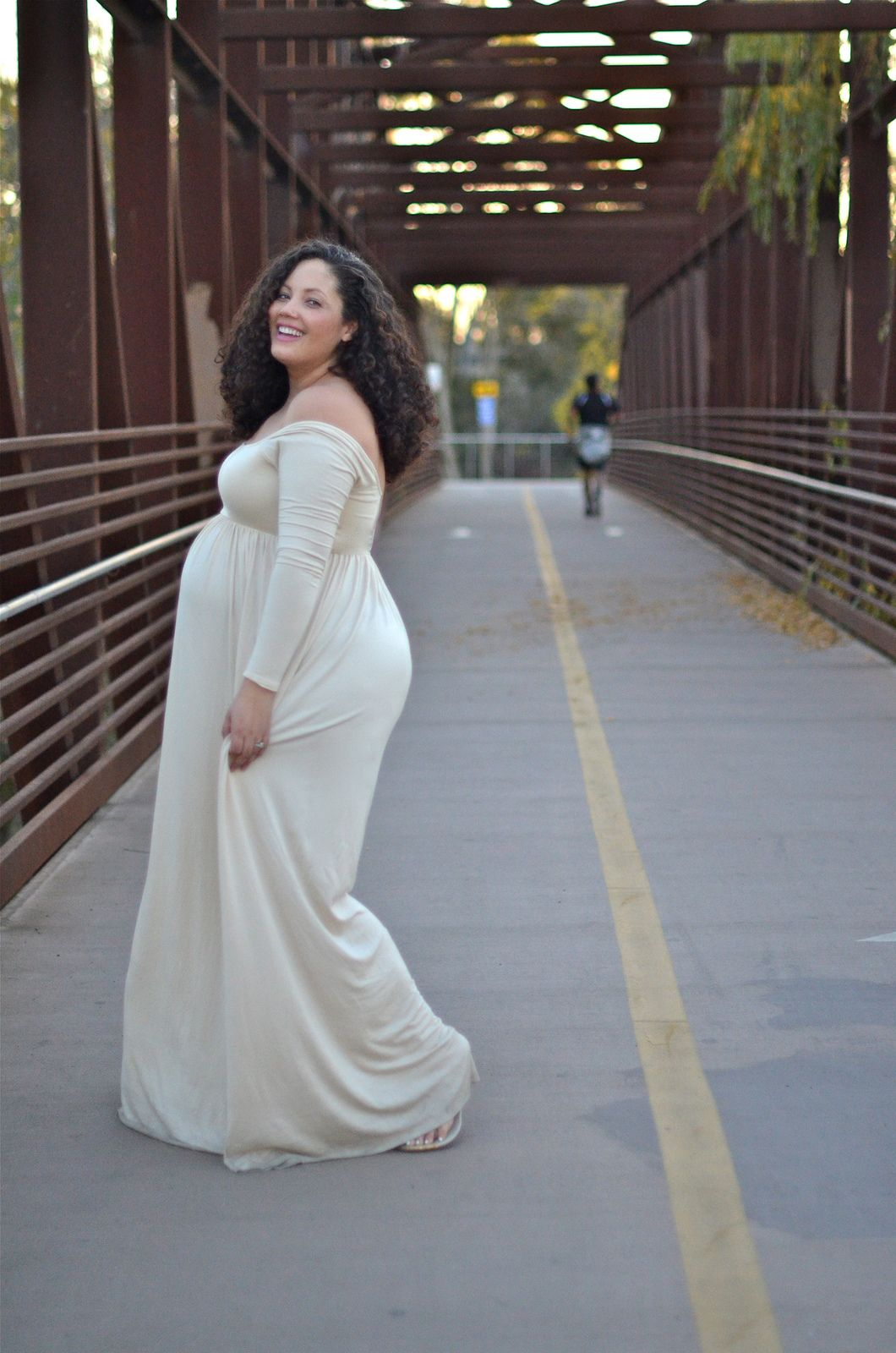 Girl with curves memories style pinterest curves girls and tanesha awasthi comes undone even in maternity clothes ombrellifo Image collections