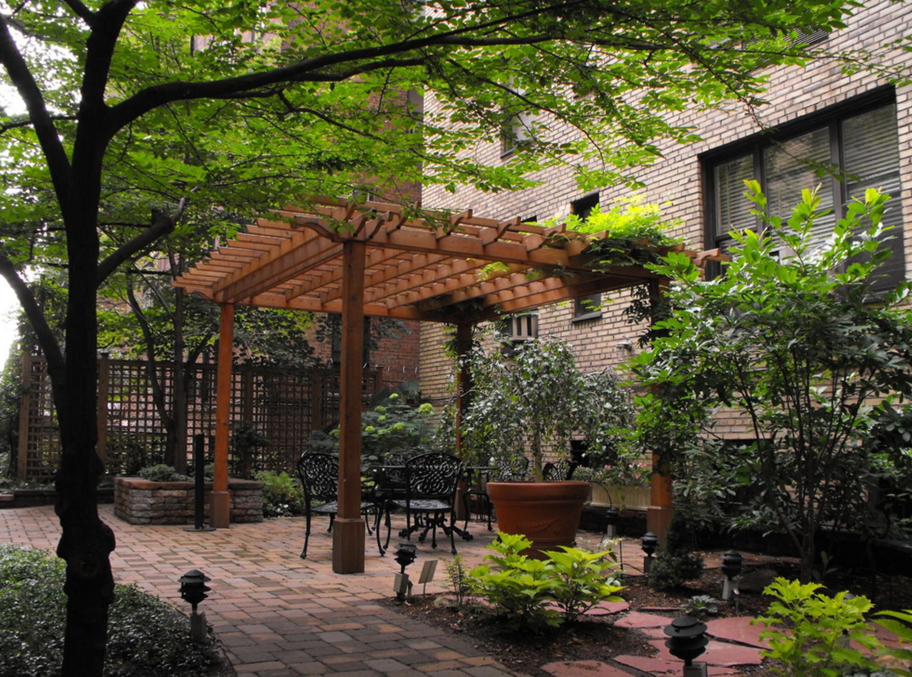 Greener By Design - Beekman courtyard | Urban Gardens | Pinterest