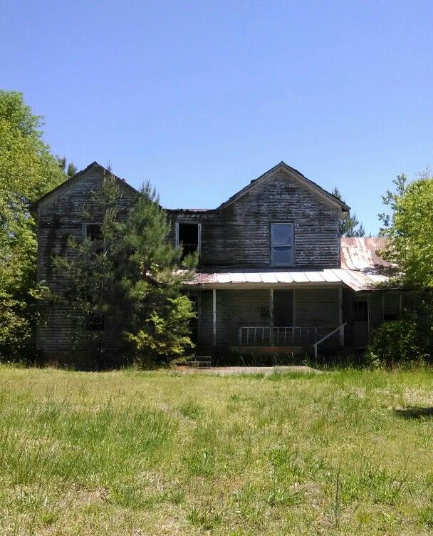 Abandoned Farm House Near Dacusville, SC. The First Time I