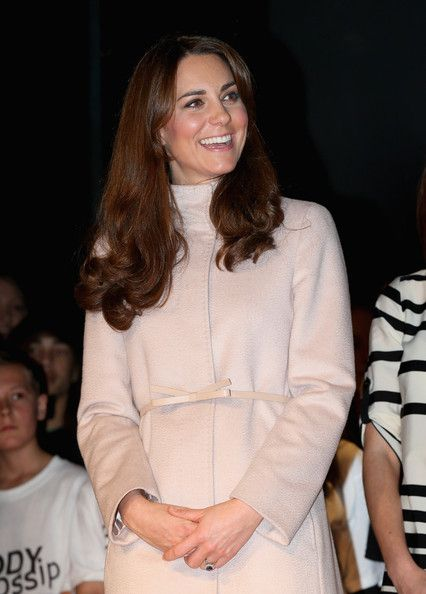 Catherine, Duchess of Cambridge smiles as she visits Manor School as she pays an official visit to Cambridge with Prince William, Duke of Cambridge on November 28, 2012 in Cambridge, UK.