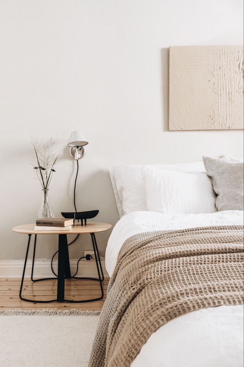 Simple Bright Neutral Minimalist Industrial Bedroom Decor In 2020 Home Decor Bedroom Beige Room Bedroom Interior
