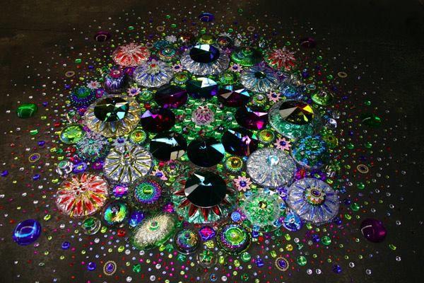 Suzan Drummen   Colorful art installations, Floor art, Sculpture ...