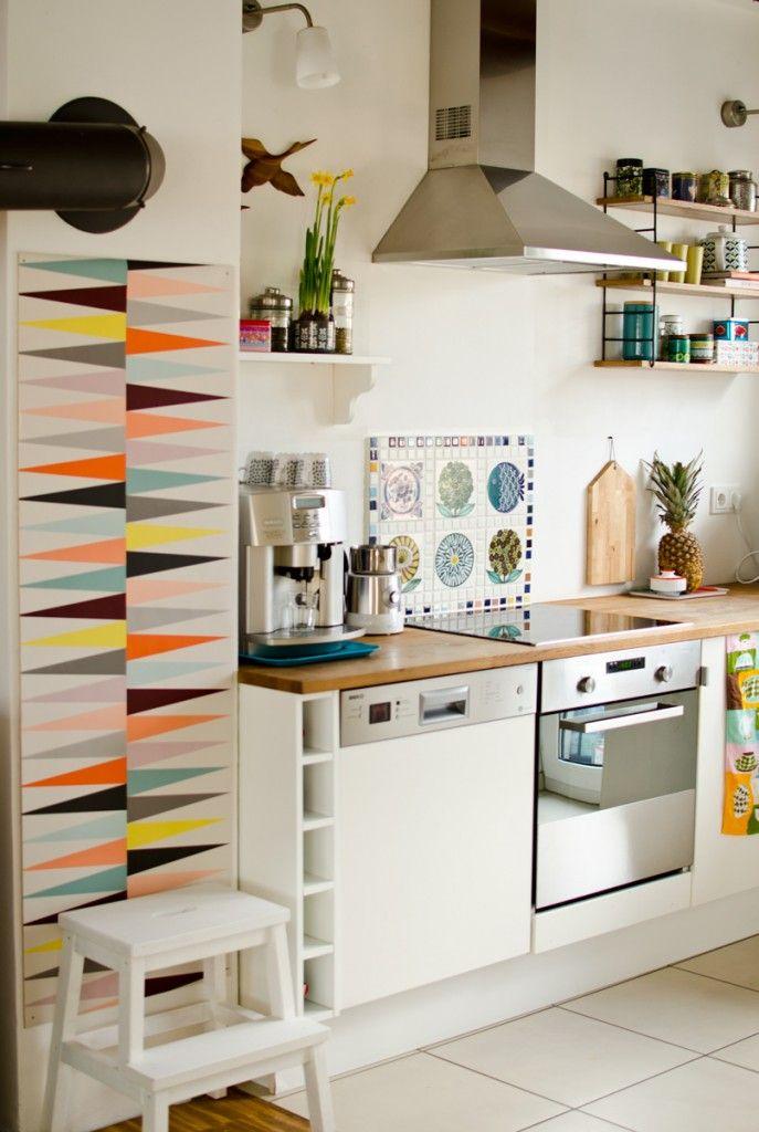 k che im vintage stil mit ikea brakig tapete comfort zone ideas. Black Bedroom Furniture Sets. Home Design Ideas