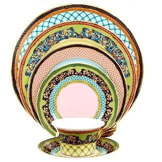 Or Another Beautiful Dinnerware Pattern Versace Russian Dream Place Setting Saveur Dinnerparty Dinnerware Patterns Fine Dinnerware Dishwear