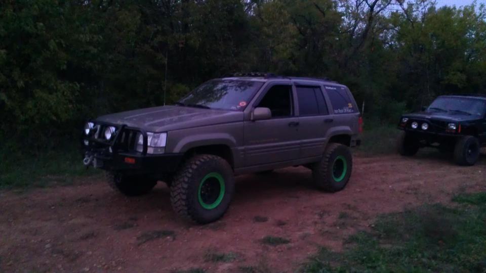 My Zj On 33 S 3 5in Lift Jeep Grand Cherokee Zj Jeep Grand Cherokee Jeep Grand