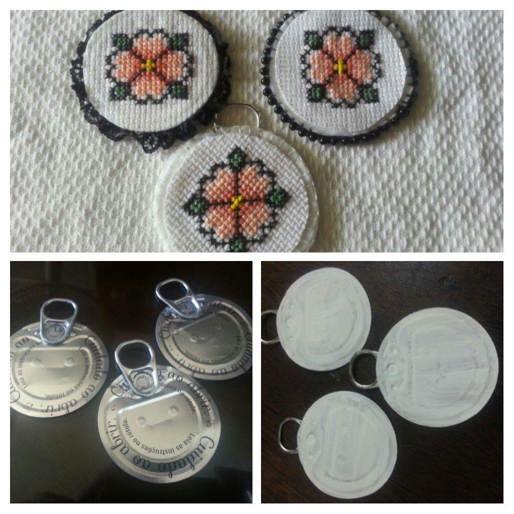 Mandalas feitas em ponto cruz reciclando o lacre e tampinhas de leite condensado.