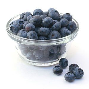 how to clean blueberries stains