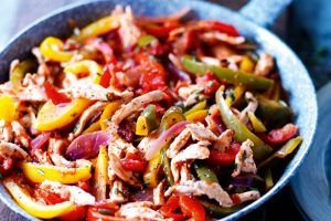 Slimming World recipes: chicken and pepper pasta