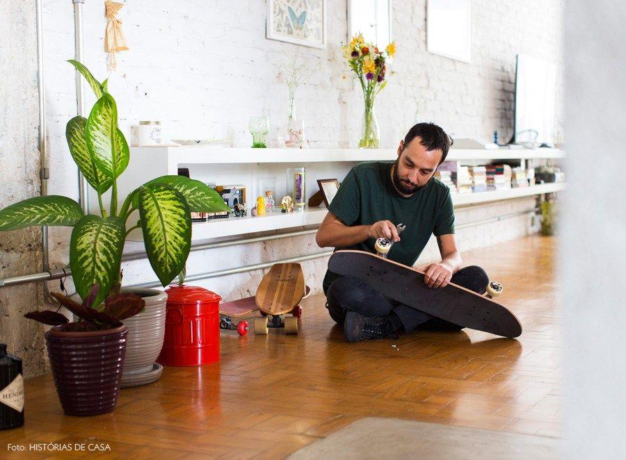 09-decoracao-plantas-tijolinho-branco-prateleira-suspensa