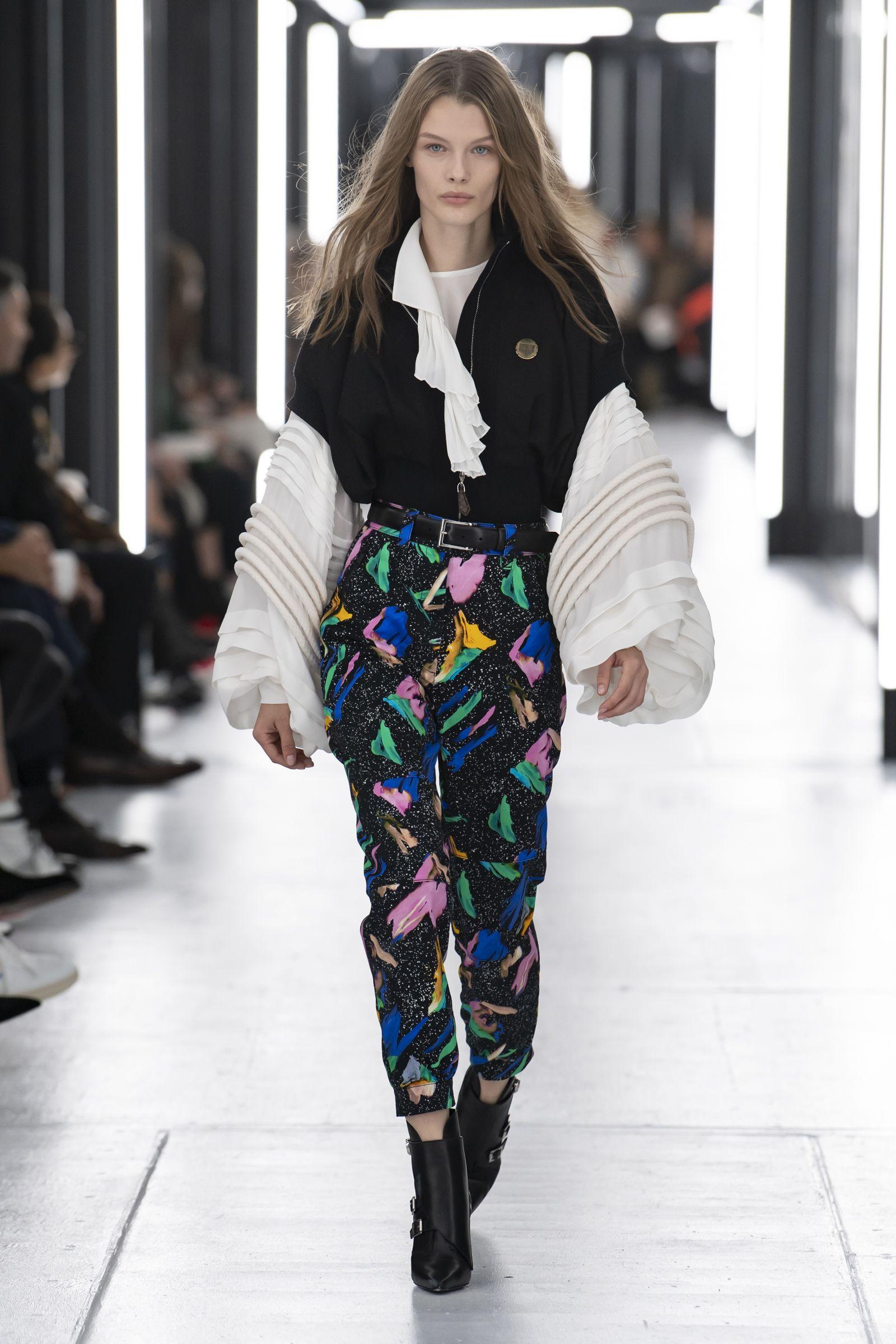 Look from the Louis Vuitton Women's SpringSummer 2019