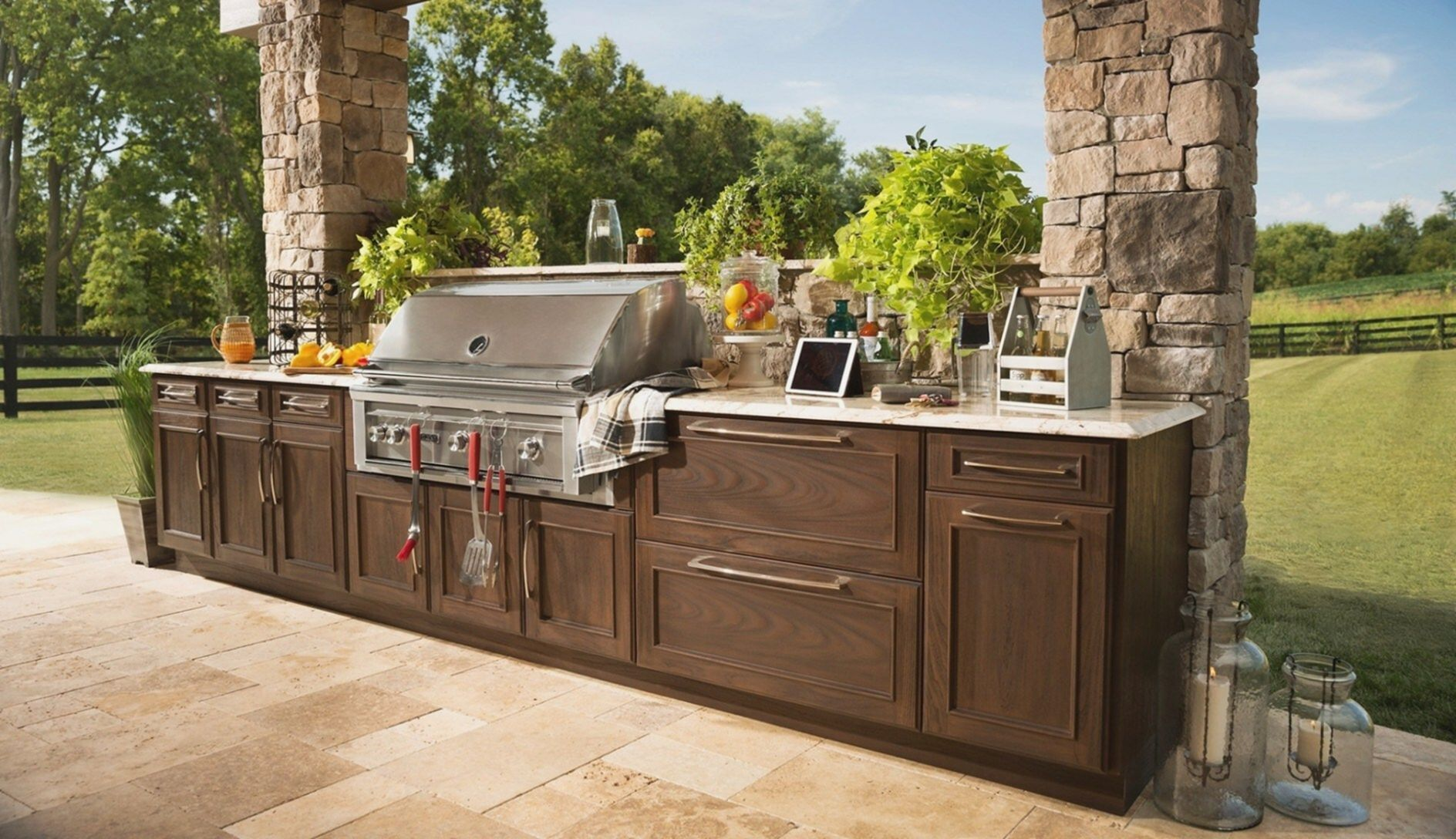 15 Beautiful Outdoor Kitchen Design Ideas For Comfortable Outdoor Outdoor Kitchen Cabinets Outdoor Kitchen Design Outdoor Kitchen