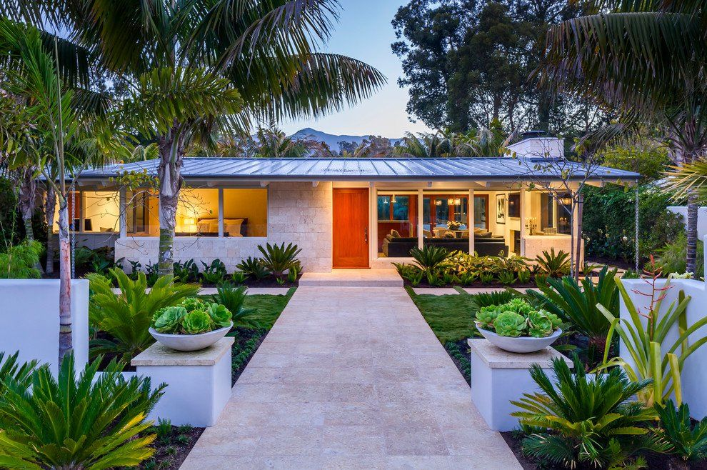 17 Gorgeous Mid-Century Modern Exterior Designs of Homes For The Vintage Style Lovers -   23 mid century modern garden ideas