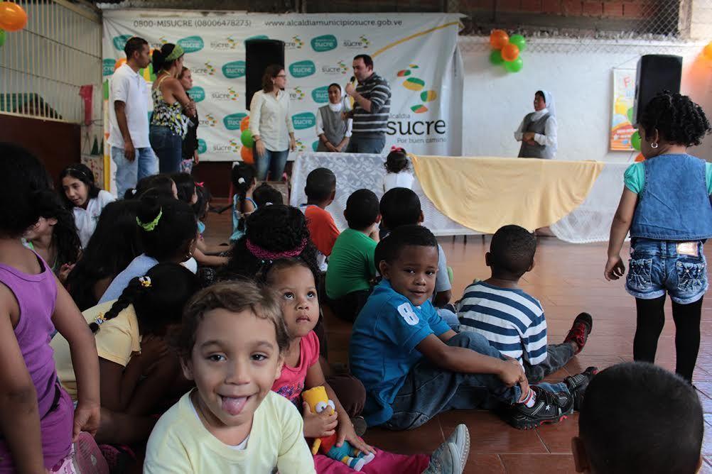 Más de 2800 niños son atendidos en nuestros Hogares para Crecer