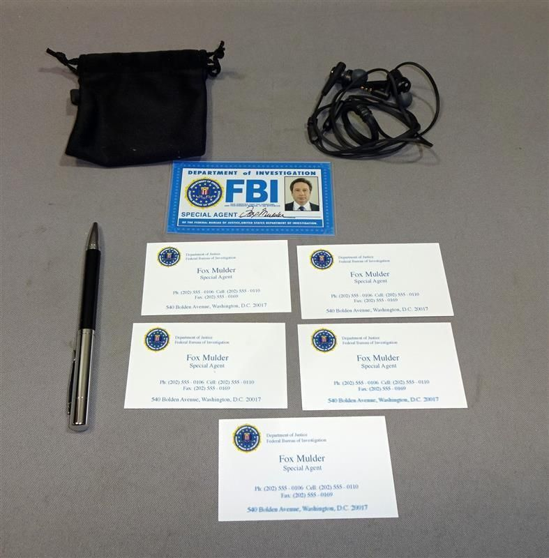 The xfiles fox mulder david duchovny used fbi id business cards ...