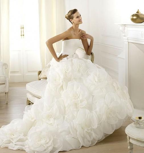 Le stanze della moda  Abiti da sposa 2014 cercasi  cominciamo dalle  principesse 88ced484b4f