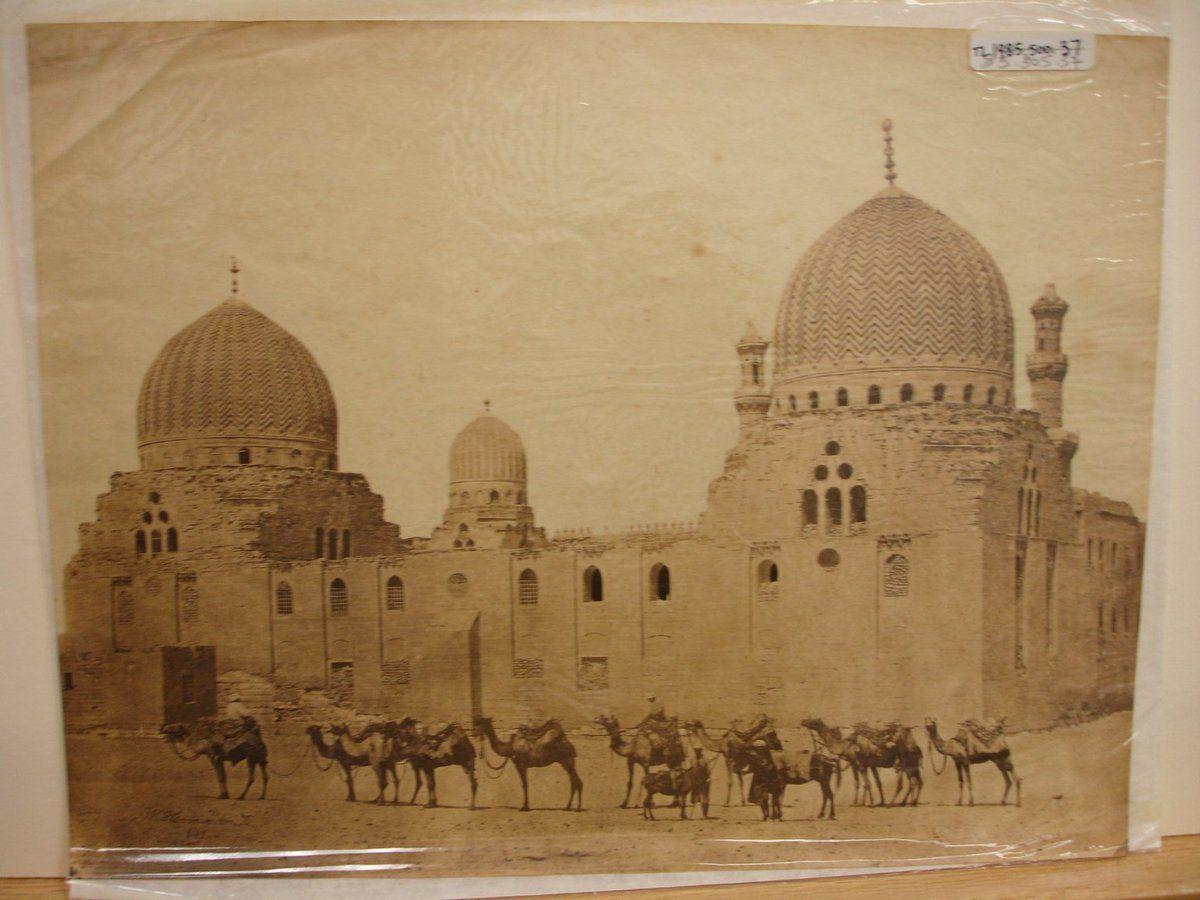 المصور الالماني W Hammerschmidt قام بالتقاط صور لمصر في الفتره مابين 1850s 1869 و توفي 1869 في برلين Egyptian History Cairo Islamic Architecture
