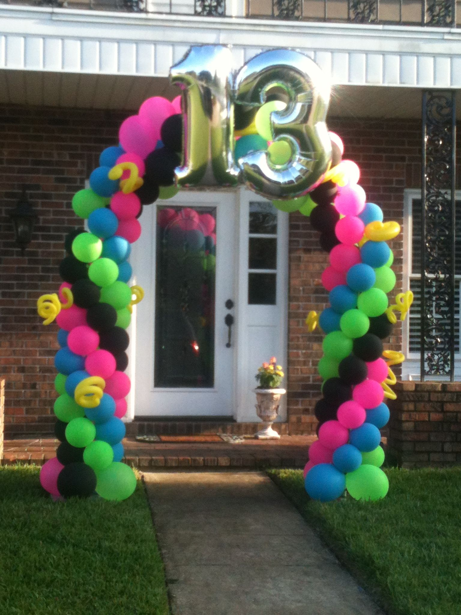 Neon 13th birthday balloon arch orlando party store for 13th birthday decoration ideas