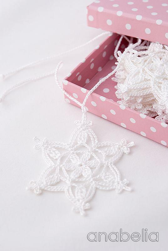 Crochet copos de nieve patrón de guirnalda de Navidad por Anabelia ...