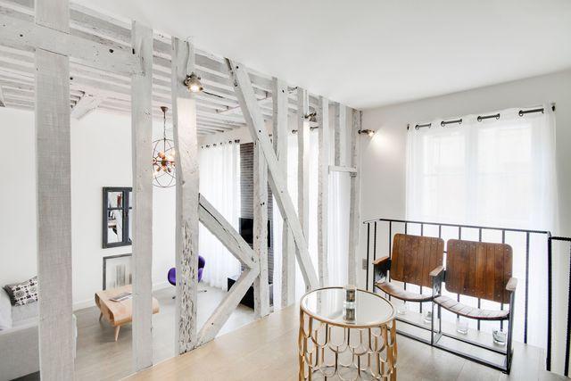 Appartement Paris Marais  un esprit d\u0027atelier avec poutres