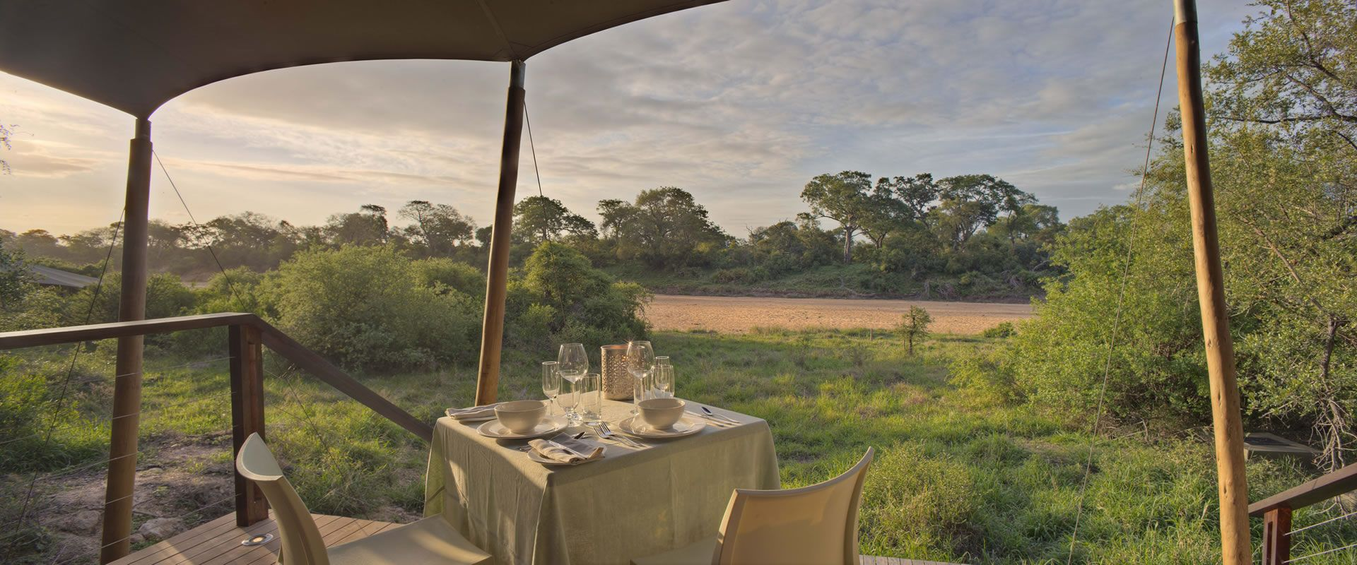 At 53 000 hectares, Timbavati Private Reserve sports astonishing game diversity for nature lovers to see the much sought after big 5.
