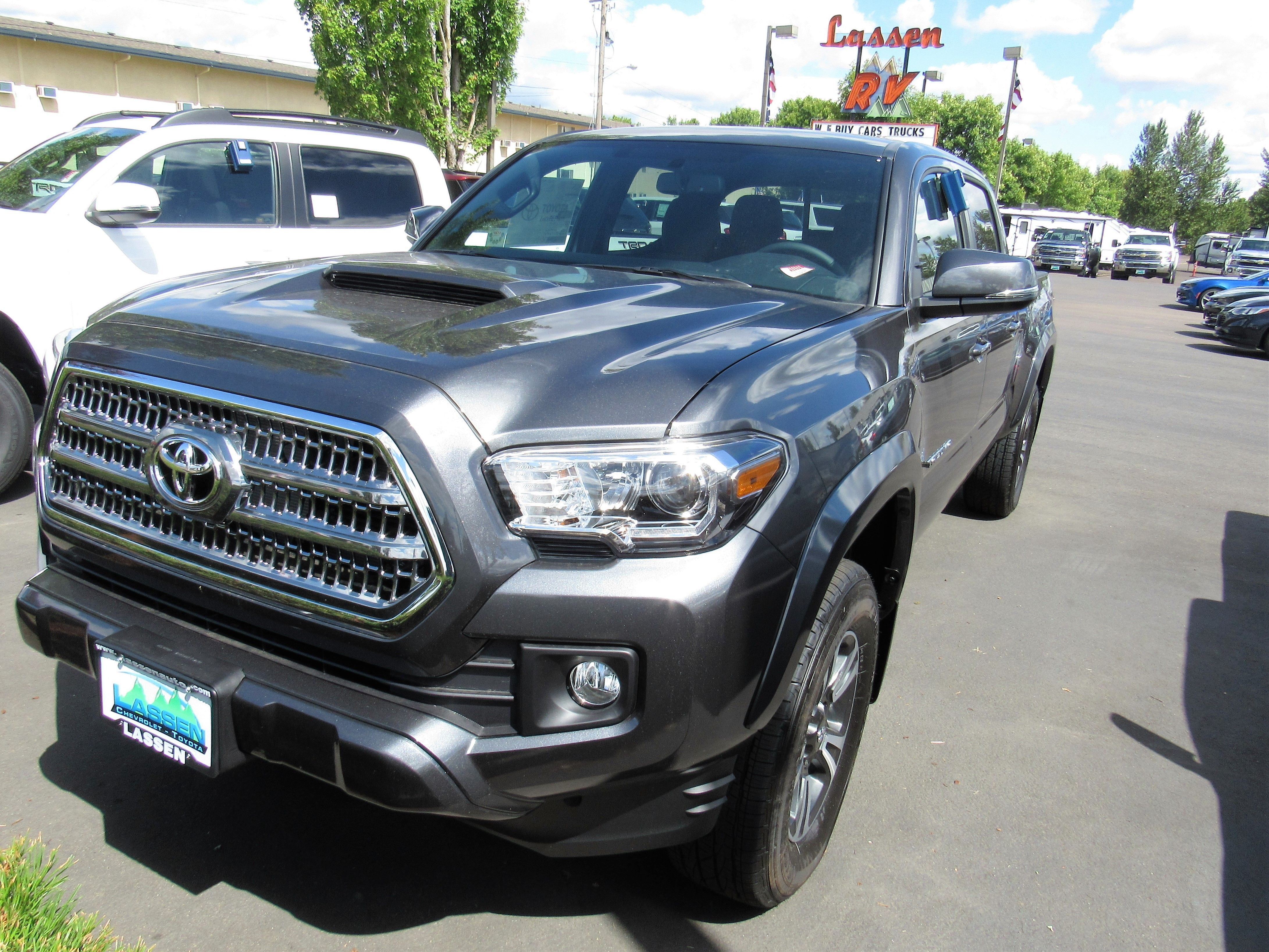 Call (541) 926 4236 For Details 2016 Toyota Tacoma Stock # 6487 Lassen  Chevrolet/Toyota Albany, OR 97322
