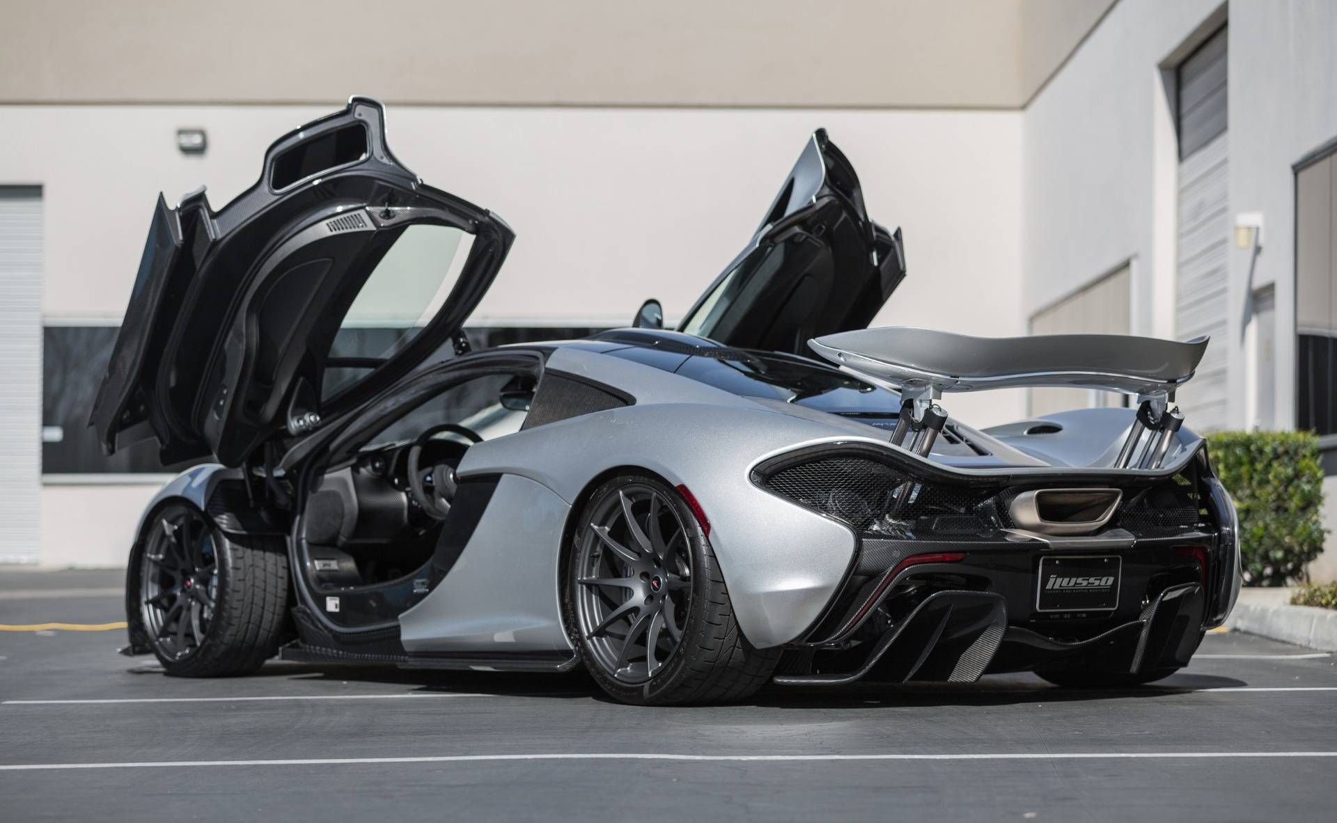 Supernova Silver Mclaren P1 For Sale In The Us At 2 399 000 Gtspirit Mclaren P1 Mclaren Cars Mclaren