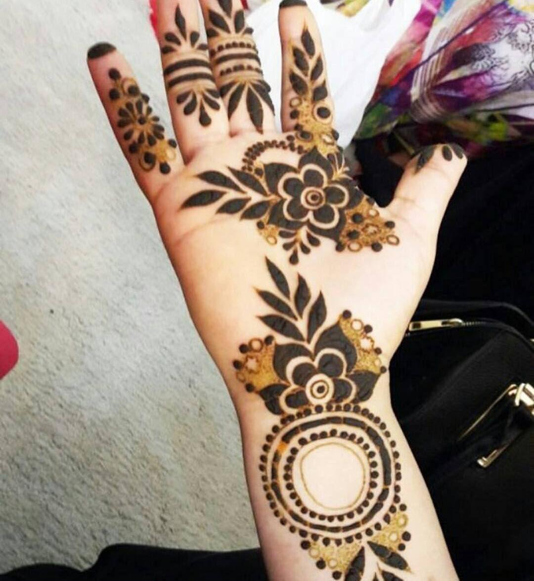 Pin By Mohini Chavan On Mahendi Design Henna Patterns Henna Hand Tattoo Mehndi Designs