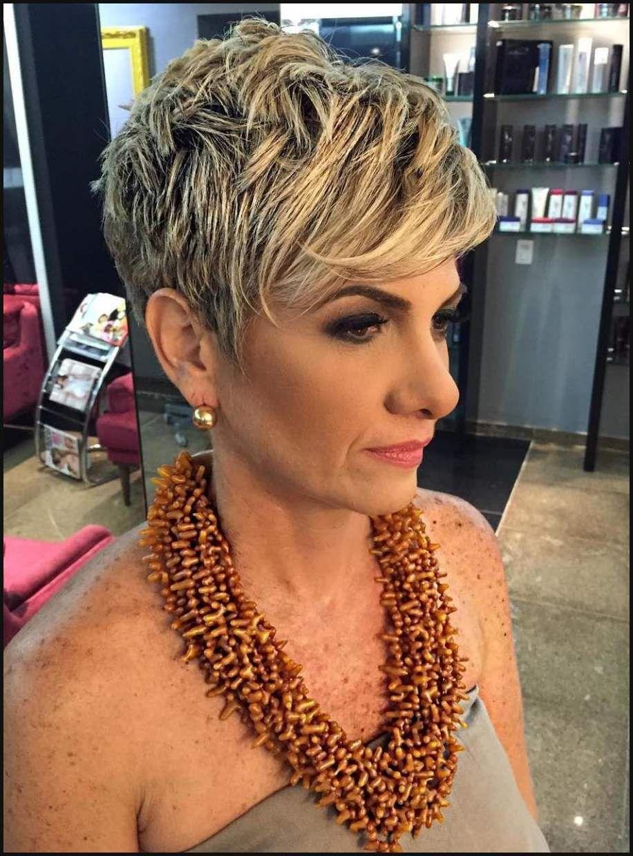 Ein Hasslicher Ansatz Blonde Haare Mit Einem Dunklen Ansatz Einfache Frisuren Modern Hairstyles Womens Haircuts Womens Hairstyles