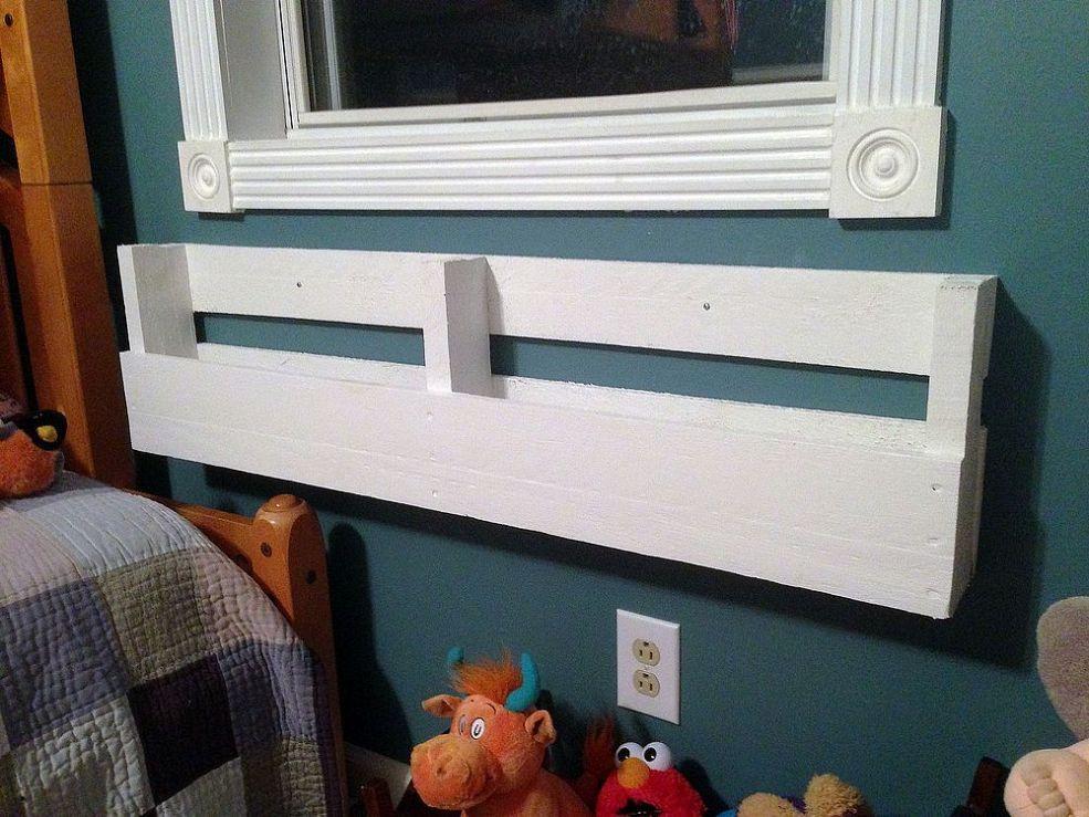 DIY Pallet Bookshelves Kids Reading Shelf Easy