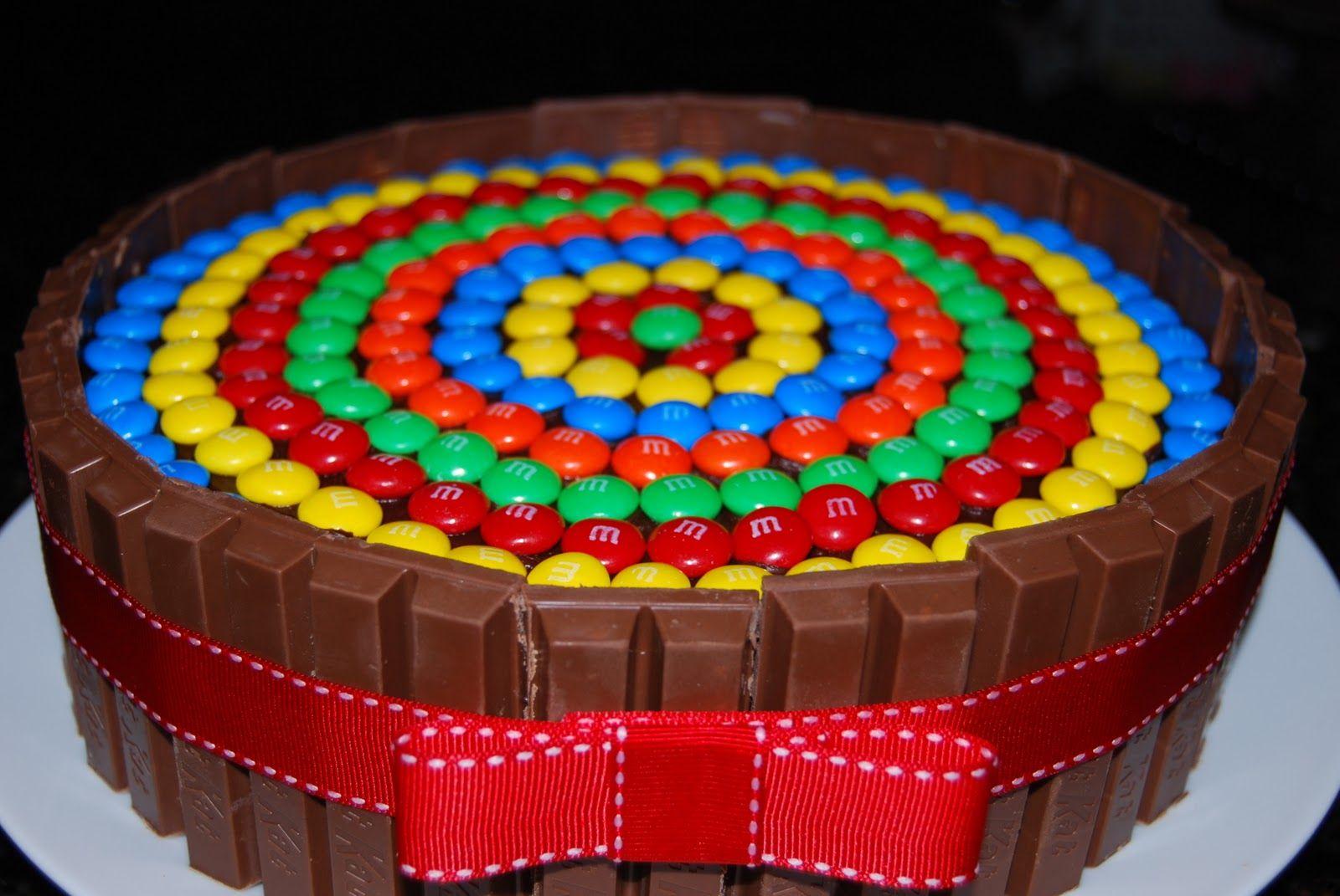 Kit Kat cake. For those of us who like patterns!