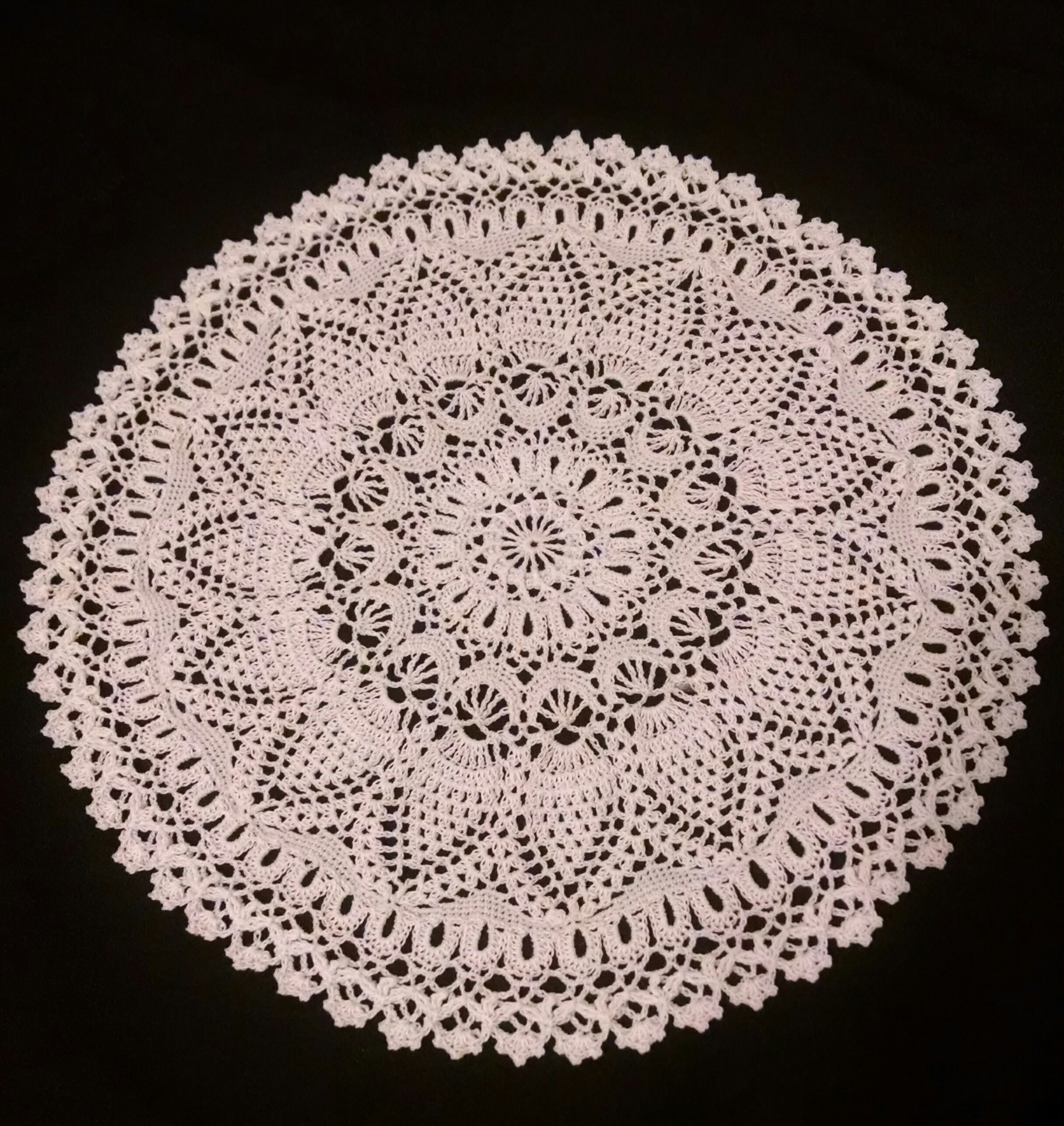 Perfect Pineapple by Patricia Kristoffersen. Crochet doily finished ...