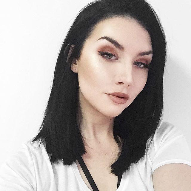 Log In Instagram Dark Skin Light Hair Black Hair Pale Skin Makeup Pale Skin Makeup