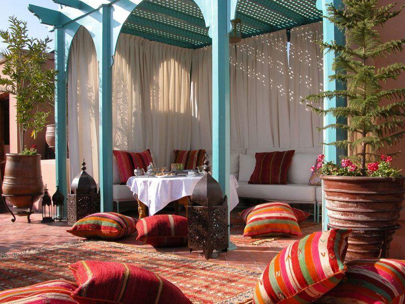 15 Gorgeous Marrakech Riads For Your Visit Salones Marroquies Diseno De Terraza Estilo En El Hogar