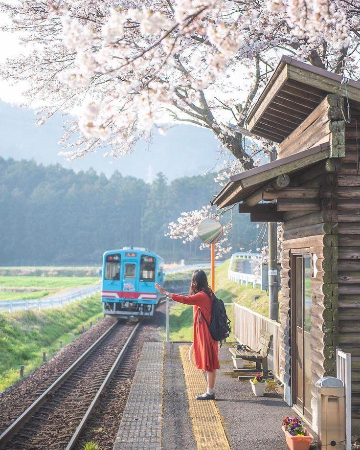 """ペレー(たつまさ) on Instagram: """"Hey train!! . 明日出勤すれば、GW。 未だどこに行くか計画できてない。 . . . . . . . . . . . . . . . . .  #hubsplanet #instagramjapan  #東京カメラ部 #bestjapanpics…"""" #trainphotography ペレー on Instagram: """"Hey train!! . 明日出勤すれば、GW。 未だどこに行くか計画できてない。 . . . . . . . . . . . . . . . . . #hubsplanet #instagramjapan #東京カメラ部 #bestjapanpics…"""""""