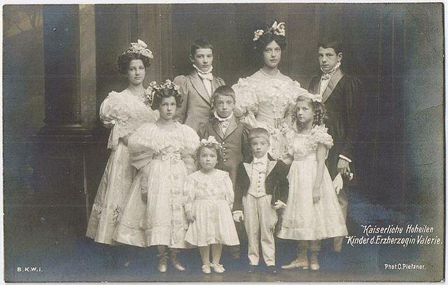 Grandchildren of Empress Elisabeth of Austria. Kinderen van Valerie.
