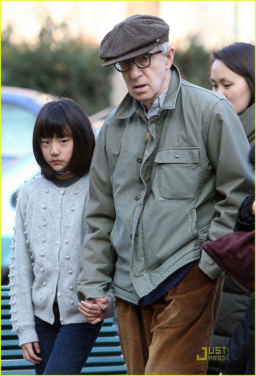 Woodys Family Settles in Spain: Photo 435561   Bechet